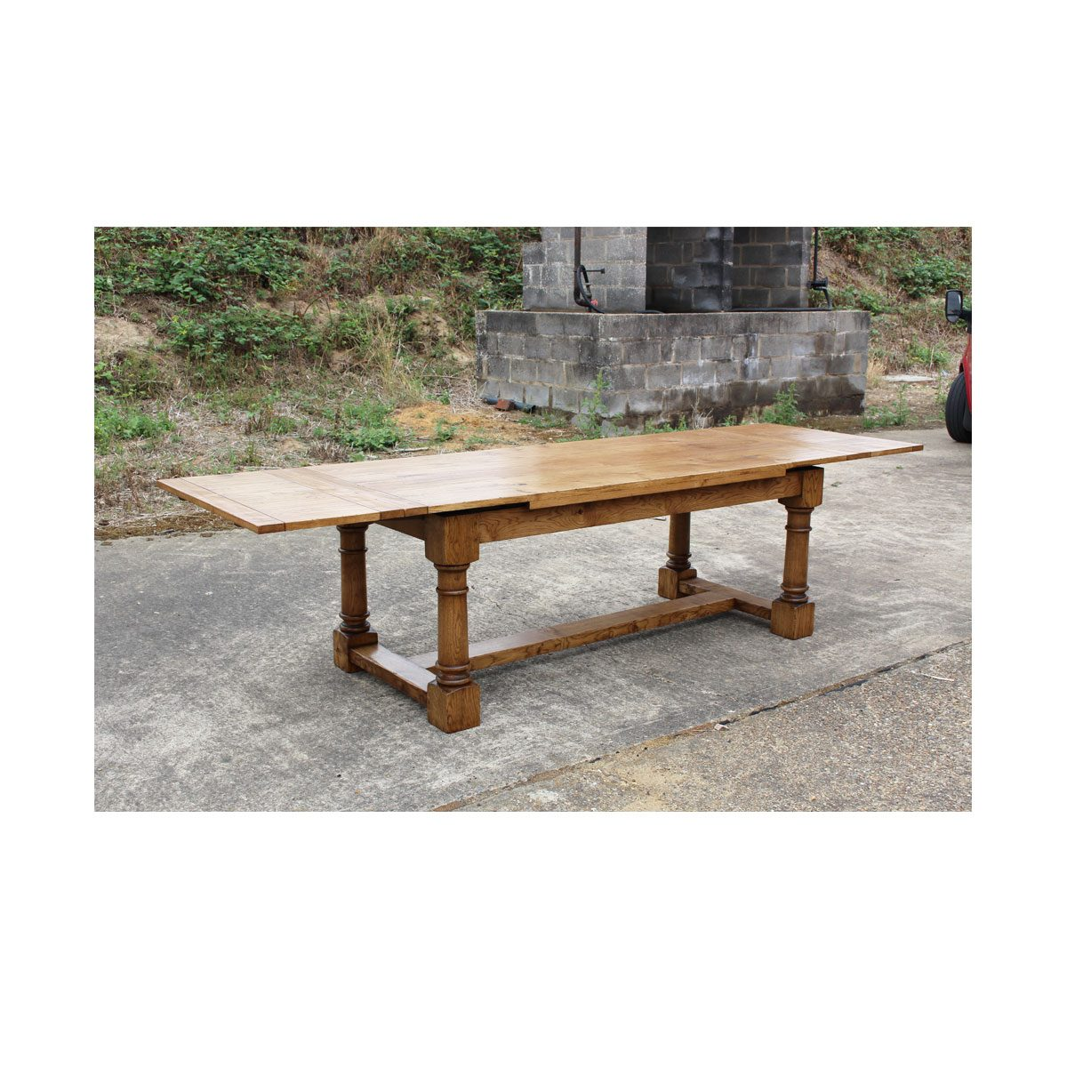 Bespoke Cannon Leg Draw-Leaf Dining Table Handcrafted in Suffolk